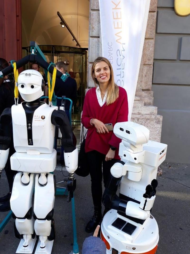 U društvu s robotima