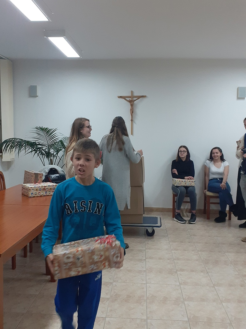 Blagdansko darivanje